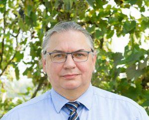 Eric Marcel <nobr>de Mello</nobr>